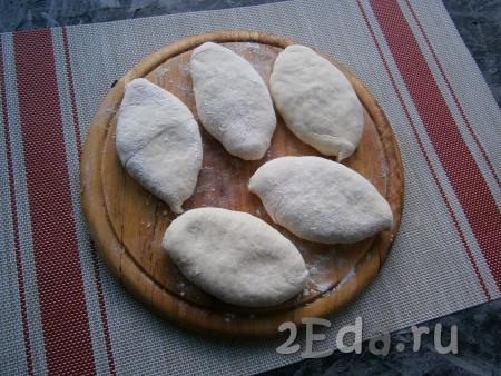 Тонкие пирожки с капустой на сковороде - рецепт пошаговый с фото